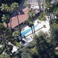 La chanteuse Katy Perry possède deux maisons voisines dans le quartier de Hollywood Hills à Los Angeles. Elle fait actuellement des travaux dans l'une d'entre elles, achetée pour 4,3 millions de dollars.