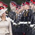Sophie de Wessex à l'Académie militaire royale de Sandhurst le 9 août 2013, représentant la reine Elizabeth II pour la Sovereign's Parade marquant la fin de la formation des cadets, devenant après 44 semaines de cursus officiers au grade de sous-lieutenant.