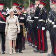 La comtesse Sophie de Wessex à l'Académie militaire royale de Sandhurst le 9 août 2013, représentant la reine Elizabeth II pour la Sovereign's Parade marquant la fin de la formation des cadets, devenant après 44 semaines de cursus officiers au grade de sous-lieutenant.