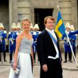 Friso d'Orange-Nassau et son épouse Mabel au mariage de Victoria de Suède le 19 juin 2010 à Stockholm. Fils cadet de la princesse Beatrix, le prince Friso est mort le 12 août 2013 à 44 ans à La Haye, un an et demi après avoir sombré dans le coma suite à un accident de ski survenu en Autriche le 17 février 2012.
