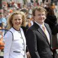 Le prince Friso d'Orange-Nassau et la princesse Mabel lors de la Fête de la reine le 30 avril 2008. Fils cadet de la princesse Beatrix, le prince Friso est mort le 12 août 2013 à 44 ans à La Haye, un an et demi après avoir sombré dans le coma suite à un accident de ski survenu en Autriche le 17 février 2012.
