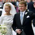 Le prince Friso d'Orange-Nassau et la princesse Mabel lors de leur mariage le 24 avril 2004. Fils cadet de la princesse Beatrix, le prince Friso est mort le 12 août 2013 à 44 ans à La Haye, un an et demi après avoir sombré dans le coma suite à un accident de ski survenu en Autriche le 17 février 2012.