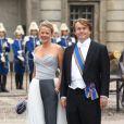 Le prince Friso d'Orange-Nassau et la princesse Mabel au mariage de Victoria et Daniel de Suède le 19 juin 2010. Fils cadet de la princesse Beatrix, le prince Friso est mort le 12 août 2013 à 44 ans à La Haye, un an et demi après avoir sombré dans le coma suite à un accident de ski survenu en Autriche le 17 février 2012.