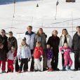 Beatrix des Pays-Bas et les trois générations de la famille royale néerlandaise réunie sur les pistes à Lech le 19 février 2011