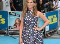 Jennifer Aniston, florale et coquine, amusée face à quelques dérapages