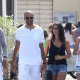 Tony Parker et sa fiancée Axelle Francine se détendent à Saint-Tropez, le 18 aout 2013.
