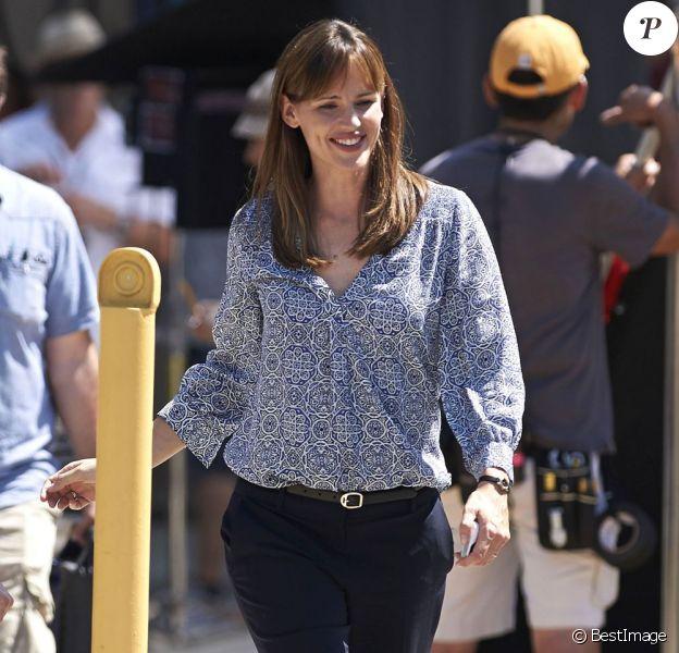 "Jennifer Garner détendue sur le tournage du film ""Alexander And The Terrible, Horrible, No Good, Very Bad Day"" à Woodland Hills, le 19 août 2013."