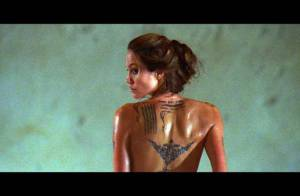 PHOTOS : Voici les très belles fesses tatouées d'Angelina Jolie !