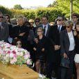 Michel Leeb, James Huth, Francis Huster, Francoise Huth et les petites filles de Pierre Huth,aux obsèques de Pierre Huth à Nogent-sur-Marne le 30 août 2013.