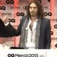 "Russell Brand sur la scène des GQ Awards ""Men of the Year"", à Londres, le 3 septembre 2013."