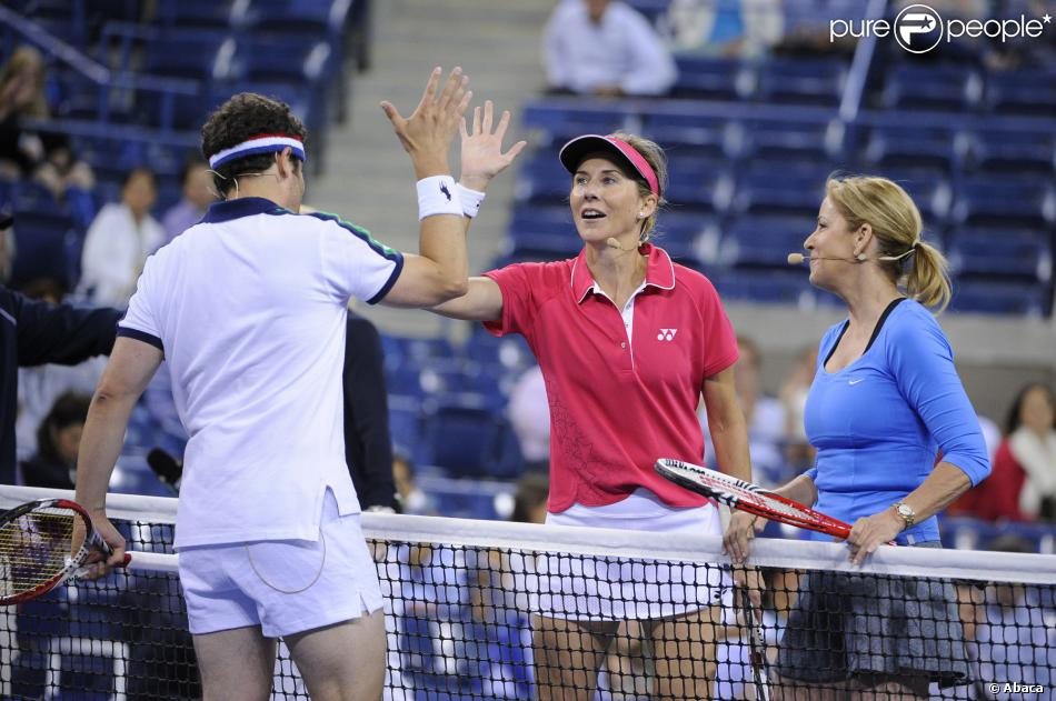 Monica Seles lors d'un match exhibition avec l'ex-joueuse Chris Evert et les acteurs Jason Biggs et Rainn Wilson à l'US Open le 5 septembre 2013.
