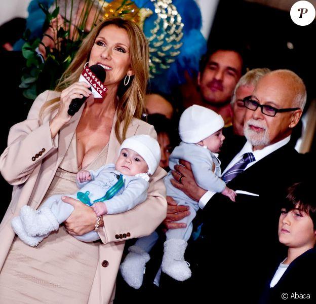 Céline Dion avec son mari René Angélil et leurs enfants, René-Charles, Nelson et Eddy, à Las Vegas, le 16 février 2011.