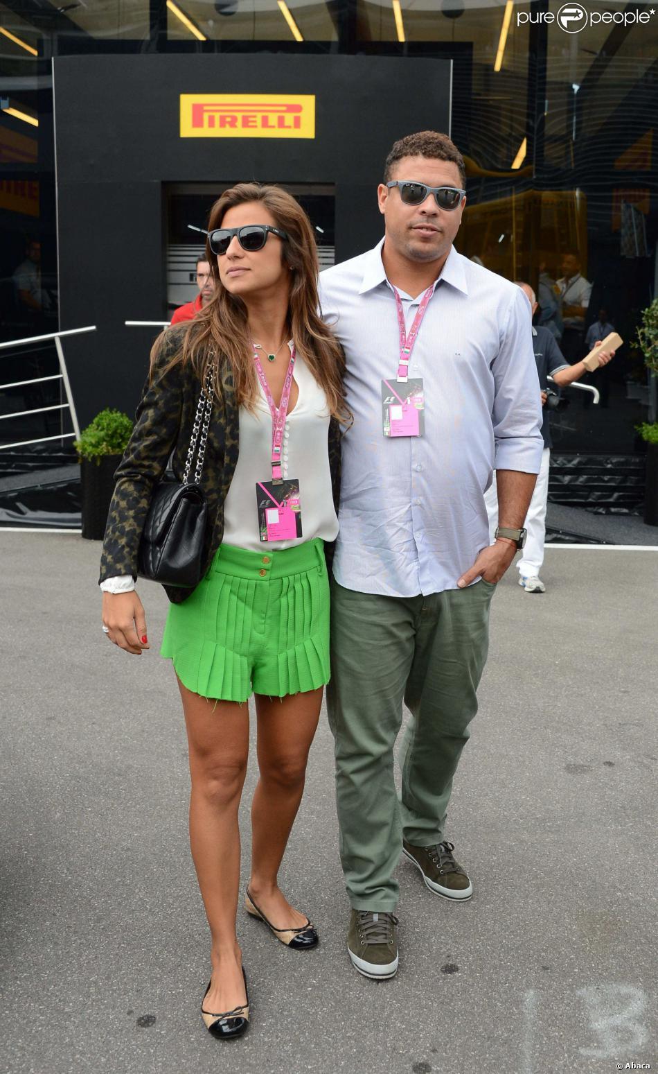 Ronaldo et sa fiancée Paula Morais dans les travées du Grand Prix d'Italie à Monza, le 8 septembre 2013