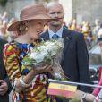 Philippe pourrait s'inspirer du sens du contact réputé de son épouse... Le roi Philippe et la reine Mathilde de Belgique ont lancé le 6 septembre 2013 à Louvain, dans le Brabant flamand, leur tournée ''Joyeuses rentrées'' destinée à prendre contact avec leurs sujets suite à l'intronisation du nouveau souverain le 21 juillet.