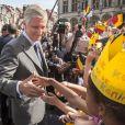 Le sens du contact de Philippe est mise à l'épreuve. Le roi Philippe et la reine Mathilde de Belgique ont lancé le 6 septembre 2013 à Louvain, dans le Brabant flamand, leur tournée ''Joyeuses rentrées'' destinée à prendre contact avec leurs sujets suite à l'intronisation du nouveau souverain le 21 juillet.