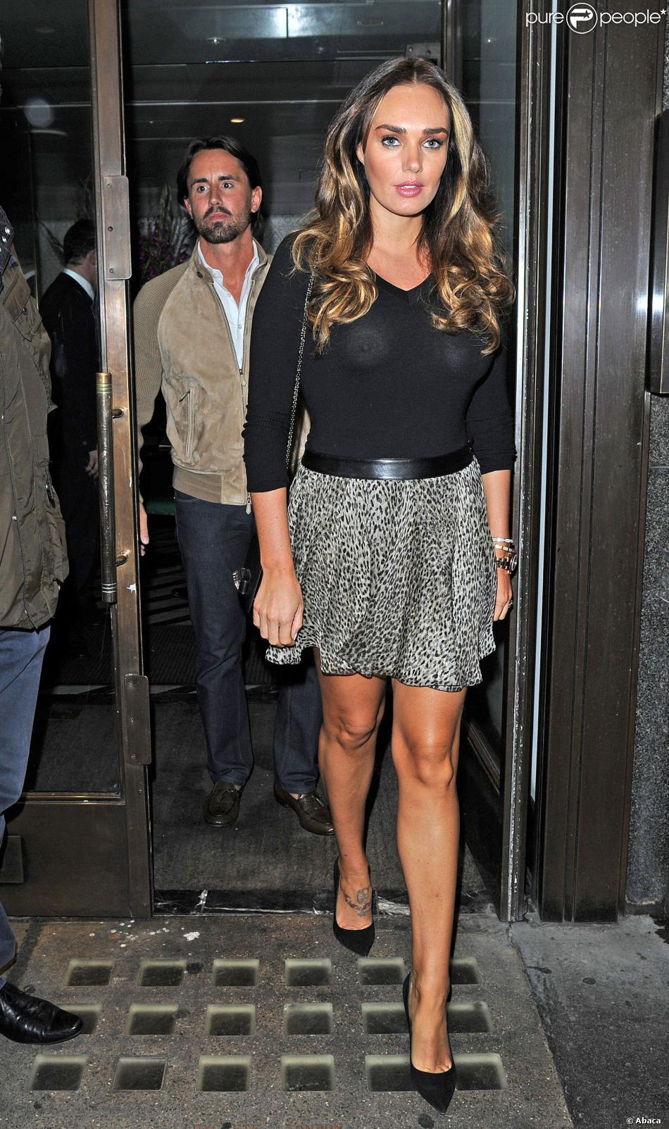 Tamara Ecclestone et son mari Jay Rutland lors d'un dîner au restaurant avec son père Bernie Ecclestone et la femme de celui-ci, Fabiana Flossi, à Londres, le 9 septembre 2013