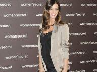 Sara Carbonero enceinte : Sublime, son baby bump visible, la journaliste rayonne