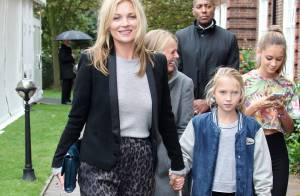Fashion Week : Kate Moss et sa fille admirent Cara Delevingne, un défilé Unique