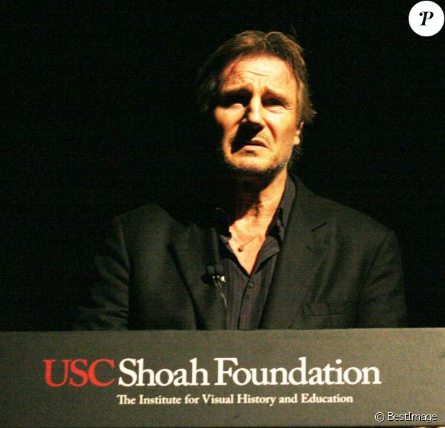 """Liam Neeson, ému et marqué, assiste à une projection spéciale pour les 20 ans du film """"La Liste de Schindler"""" à Philadelphie, le 13 septembre 2013."""