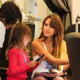 Jessica Alba et sa fille aînée Honor au Nail Design Salon de Beverly Hills. Le 21 septembre 2013.