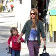 Jessica Alba et sa fille aînée Honor Marie à Los Angeles, le 21 septembre 2013.