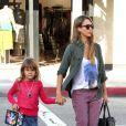 Jessica Alba et sa fille aînée Honor Marie dans les rues de Los Angeles, le 21 septembre 2013.