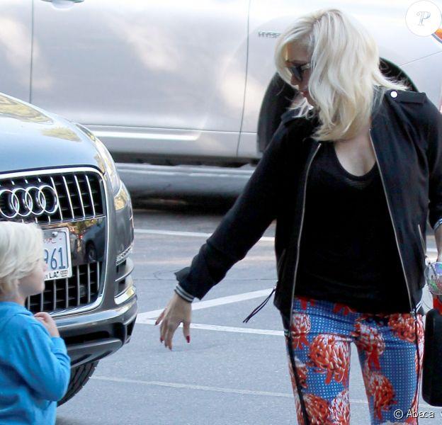 Gwen Stefani avec son fils Zuma à Los Angeles, le 26 septembre 2013.