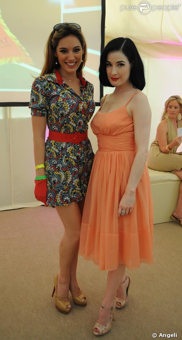 Kelly Brook et Dita von Teese