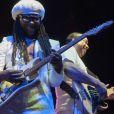 Nile Rodgers avec son groupe Chic en concert à Manchester, le 29 mai 2013.