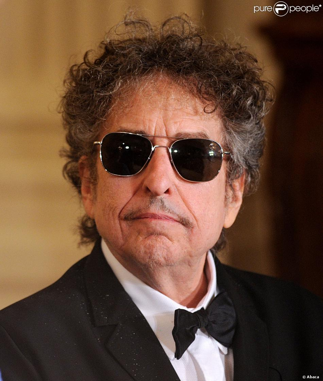 Bob Dylan reçoit la médaille présidentielle de la liberté à Washington, le 29 mai 2012.