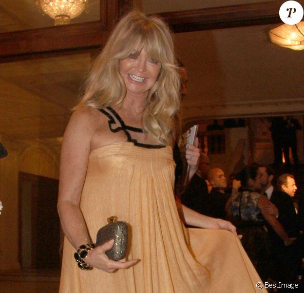 Goldie Hawn se rend au gala de l'amfAR à Rio de Janeiro, le 4 octobre 2013.
