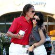 Bruce Jenner et ses filles Kylie et Kendall à Los Angeles, le 8 octobre 2013.