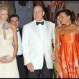 Charlene Wittstock, le prince Albert II et Stéphanie