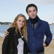 Guillaume Gouix et Fanny Touron, romantiques sur le sable de St-Jean-de-Luz