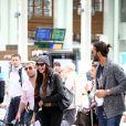 Exclusif - Nabilla Benattia quitte Paris et prend le train à la gare de Lyon le 4 octobre 2013.