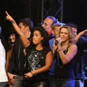Amel Bent et Elisa Tovati : Sourires et stars du foot, un grand show