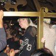 """Miley Cyrus fait la fête au nightclub """"Beacher's Madhouse"""" à Los Angeles, le 16 octobre 2013."""