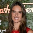 Alessandra Ambrosio au gala d'ouverture du Wallis Annenberg Center for the Performing Arts à Beverly Hills, le 17 octobre 2013.