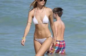 Maryna Linchuk : Prête à bronzer en bikini, terriblement sexy en lingerie