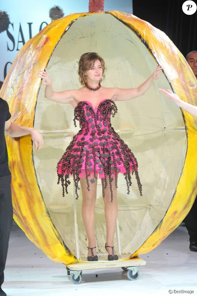 Annabelle milot lors du d fil du 19e salon du chocolat for Salon du x porte de versailles