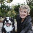 Exclusif - Véronique Jannot et son chien arrivant lors de l'enregistrement de l'émission Vivement dimanche à Paris le 6 novembre 2013. Diffusion sur France 2 le 10 novembre