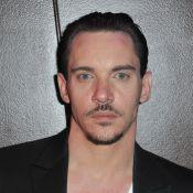 Jonathan Rhys-Meyers : L'alcoolisme du nouveau ''Dracula'' surveillé de près...