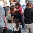 """Jennifer Lopez sur le tournage du film """"The Boy Next Door"""" à Los Angeles où elle a reçu la visite de ses enfants Max et Emme, le 17 novembre 2013."""