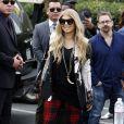 """Fergie sur le plateau de l'émission """"Extra"""" à Los Angeles, le 20 novembre 2013."""
