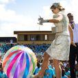 Le roi Willem-Alexander et la jolie reine Maxima des Pays-Bas sur l'île d'Aruba le 21 novembre 2013.