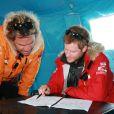 Le prince Harry planche sur les derniers préparatifs à la base de Novo en Antarctique, le 23 novembre 2013, avant de prendre le départ le 29 novembre du South Pole Allied Challenge, une course au Pole Sud au profit de l'association Walking with the Wounded.