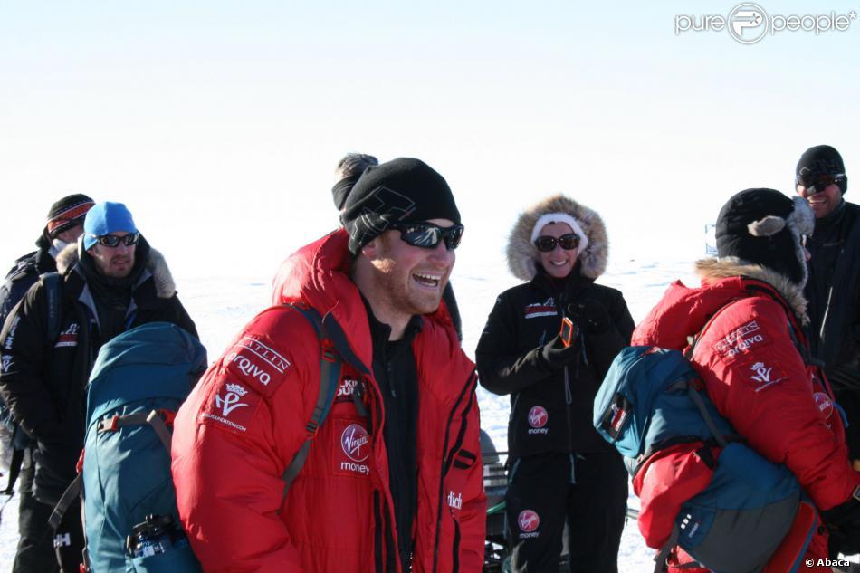 Le prince Harry en Antarctique le 27 novembre 2013, durant la phase d'acclimatation à la base de Novo avant de disputer le trek South Pole Allied Challenge.