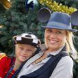 Maria Bello et son fils Jackson à Walt Disney World Resort le 25 novembre 2011.