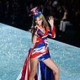 Taylor Swift lors du défilé Victoria's Secret 2013 à New York, le 13 novembre 2013.