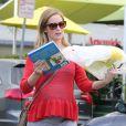 Exclusif - L'actrice Emily Blunt, enceinte, quitte le restaurant Lemonade. Los Angeles, le 3 décembre 2013.